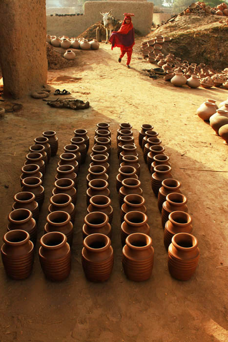 A STREET OF POTTERS
